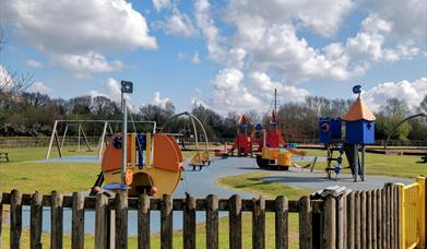 Oak Tree Meadow Playsite